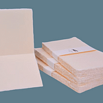Wedding menu made of Amalfi handmade paper with ivory pink color and square folding format. Dimensions: 15x15cm.
