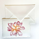 Placeholder and envelope in Amalfi handmade paper with decoration of a purple Dahlia